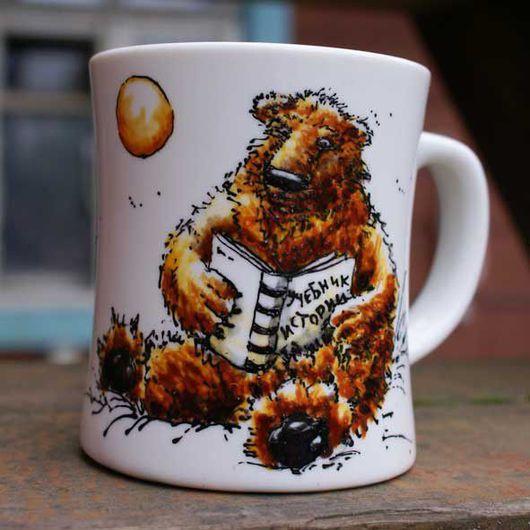 Кружки и чашки ручной работы. Ярмарка Мастеров - ручная работа. Купить Ведмедь серьезный бурый. Handmade. Медведь, история, кружка