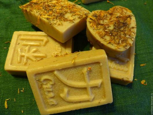 """Мыло ручной работы. Ярмарка Мастеров - ручная работа. Купить Натуральное мыло """"Календула & Молоко""""  с нуля. Handmade. Бежевый"""