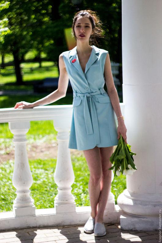 Платье-жилет голубого цвета