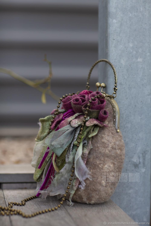Валяная сумка «Полет малиновых бабочек», Сумка с фермуаром, Краснодар,  Фото №1