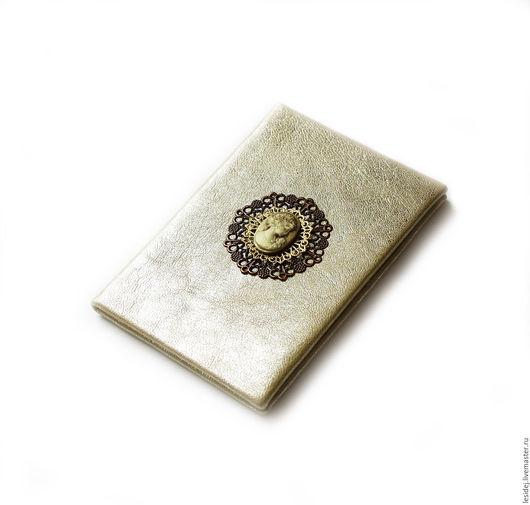 """Обложки ручной работы. Ярмарка Мастеров - ручная работа. Купить Обложка для паспорта """"Белое золото"""". Handmade. Обложка для паспорта, кожа"""