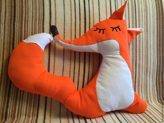 Лисица подушка-сплюшка