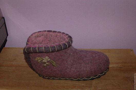 Обувь ручной работы. Ярмарка Мастеров - ручная работа. Купить Домашние валенки с цветочком. Handmade. Розовый, натуральная замша