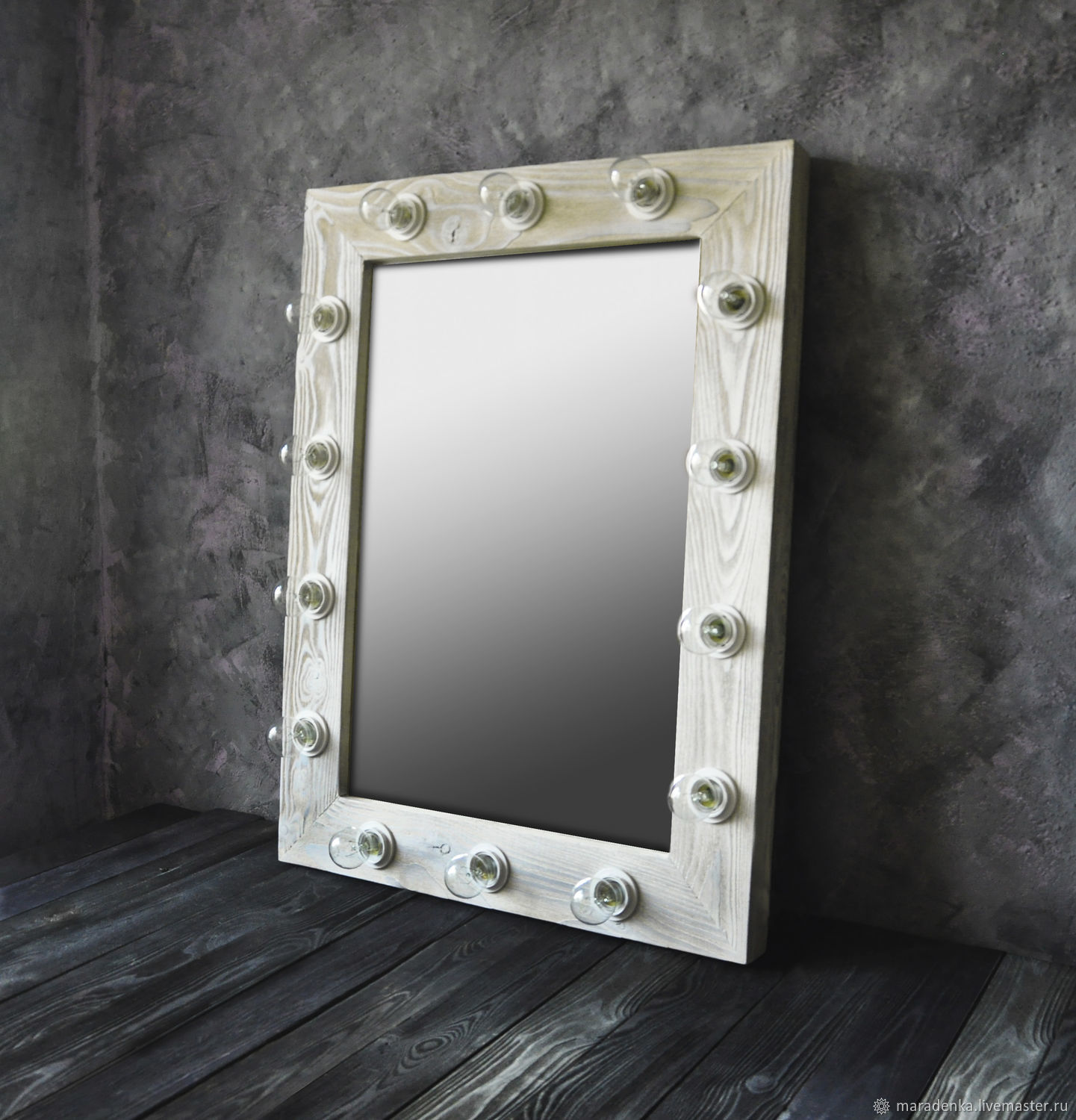 Mirror with light bulbs. Make-up mirror. Mirror, Mirror, Moscow,  Фото №1