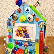 Бизиборды ручной работы. Ярмарка Мастеров - ручная работа Бизиборд дом для малыша от 8 месяцев. Handmade.