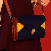 Сумки и аксессуары ручной работы. Ярмарка Мастеров - ручная работа Женская синяя желтая сумка из кожи и дерева Tracy деревянная. Handmade.