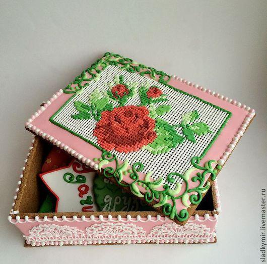 Кулинарные сувениры ручной работы. Ярмарка Мастеров - ручная работа. Купить Шкатулка с вышивкой из имбирного печенья. Handmade. Пряник, розы