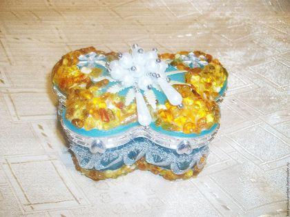 Шкатулки ручной работы. Ярмарка Мастеров - ручная работа. Купить Шкатулка  для  Принцесс с янтарём для украшений, , голубой, жёлтый. Handmade.