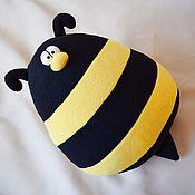 """Для дома и интерьера ручной работы. Ярмарка Мастеров - ручная работа Игрушка-подушка """"Пчёлыч"""". Handmade."""