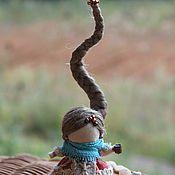 Подарки к праздникам ручной работы. Ярмарка Мастеров - ручная работа Куколка на счастье. Handmade.