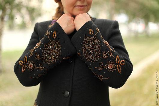 """Верхняя одежда ручной работы. Ярмарка Мастеров - ручная работа. Купить Вязаное пальто """"Модный винтаж с розами-2"""". Handmade."""