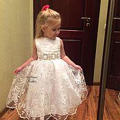 Платья ручной работы. Ярмарка Мастеров - ручная работа Нарядное белое платье для девочки, рост 110 см. Handmade.