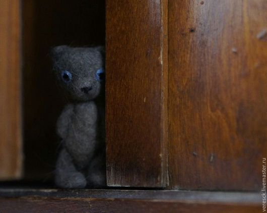 Игрушки животные, ручной работы. Ярмарка Мастеров - ручная работа. Купить Голубоглазый медведь. Handmade. Коричневый, медведь, миниатюра