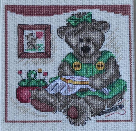 Животные ручной работы. Ярмарка Мастеров - ручная работа. Купить Вышитая картина Мишка Тедди вышивальщица. Handmade. Картина, подарок