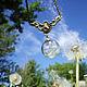 Легкий нежный кулон с одуванчиками Дуновение. Полая стеклянная сфера заполнена настоящими семенами одуванчика. Стеклянная бусина, стеклянный шар с одуванчиками