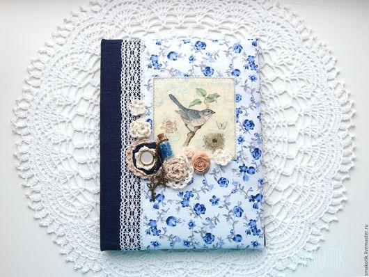 """Обложки ручной работы. Ярмарка Мастеров - ручная работа. Купить Обложка на школьный дневник  """"Птичка"""". Handmade. Тёмно-синий, обложка"""