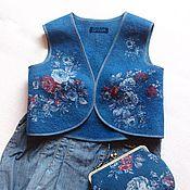 """Одежда ручной работы. Ярмарка Мастеров - ручная работа Жилет""""Джинсовые розы"""". Handmade."""