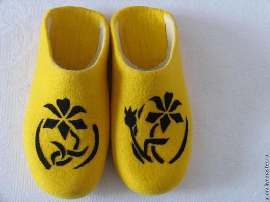Обувь ручной работы. Ярмарка Мастеров - ручная работа. Купить Тапочки валяные, с рисунком, цветы.. Handmade. Тапочки, тапочки домашние