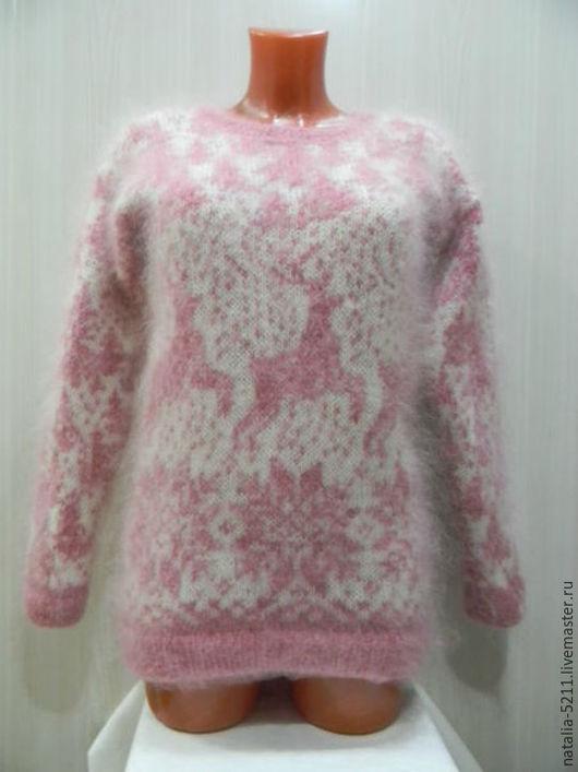 """Кофты и свитера ручной работы. Ярмарка Мастеров - ручная работа. Купить Бело-розовый джемпер с оленями,, Зимняя сказка"""". Handmade."""