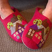 Обувь ручной работы handmade. Livemaster - original item Slippers felted women`s pink with a pattern. Handmade.