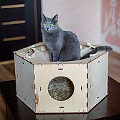 Домик для питомца ручной работы. Ярмарка Мастеров - ручная работа Домик для кошки шестиугольный блок с гамаком. Handmade.