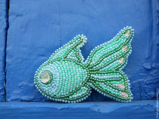 Броши ручной работы. Ярмарка Мастеров - ручная работа. Купить Тишина морской волны. Handmade. Морская волна, рыбка