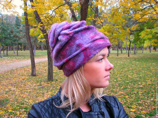 """Шапки ручной работы. Ярмарка Мастеров - ручная работа. Купить Шапка """"Никитская хризантема"""". Handmade. Фиолетовый, валяные шапки"""