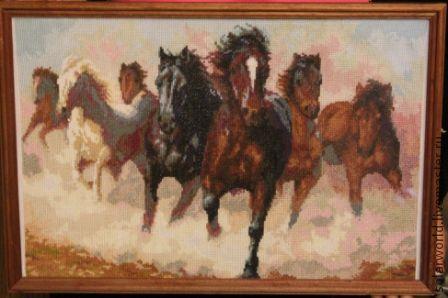 Животные ручной работы. Ярмарка Мастеров - ручная работа. Купить вышивка крестом Табун лошадей. Handmade. Картина в подарок