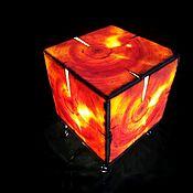 Настольные лампы ручной работы. Ярмарка Мастеров - ручная работа Настольный светильник, стенки светильника сделаны из дерева,. Handmade.