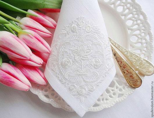 Салфетка с вышивкой `Императорский завтрак` `Шпулькин дом` мастерская вышивки