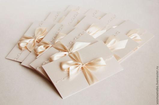 Свадебные аксессуары ручной работы. Ярмарка Мастеров - ручная работа. Купить Приглашение - конверт. Handmade. Бежевый, классический стиль, пригласительные
