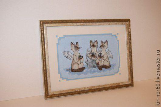 """Животные ручной работы. Ярмарка Мастеров - ручная работа. Купить Готовая вышитая картина""""Почти идеальный кот"""". Handmade. Голубой"""