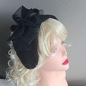 Шляпка-ободок со съемной брошью