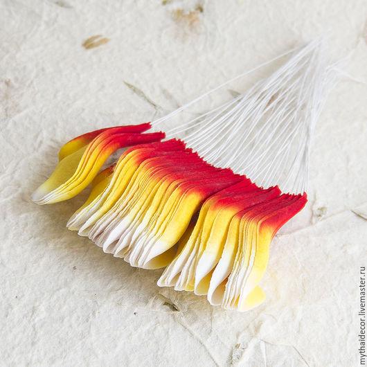 Материалы для флористики ручной работы. Ярмарка Мастеров - ручная работа. Купить 50 шт Лепестки красно-желтые плюмерии. Handmade.