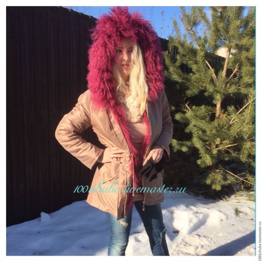 Куртка парка с мехом ламы идеальна на весну и легкий мороз, Лама не боится влаги, хорошо переносит дождь, ткань на этой куртке с водоотталкивающими свойствами, не продувается, куртка легкая, теплая!
