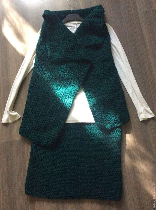 Костюмы ручной работы. Ярмарка Мастеров - ручная работа. Купить Вязаный костюм (юбка и жилет). Handmade. Тёмно-зелёный, костюм