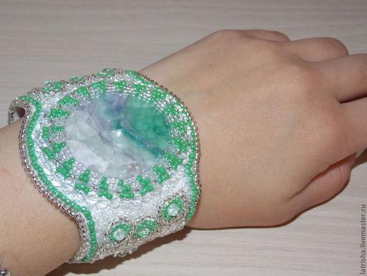 """Браслеты ручной работы. Ярмарка Мастеров - ручная работа. Купить Браслет """"Лёд"""". Handmade. Вышитый браслет, браслет зеленый, лед"""