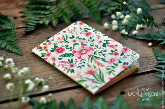 """Блокноты ручной работы. Ярмарка Мастеров - ручная работа. Купить Тетрадь """"Цветочная"""" А6. Handmade. Белый, акварельные цветы, блокнот"""
