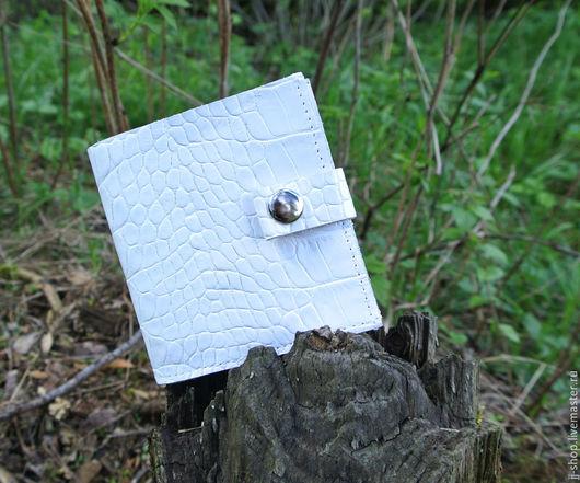 Кошельки и визитницы ручной работы. Ярмарка Мастеров - ручная работа. Купить Mini Кипельно-Белый кошелёк из натуральной кожи (min_white_crc)). Handmade.