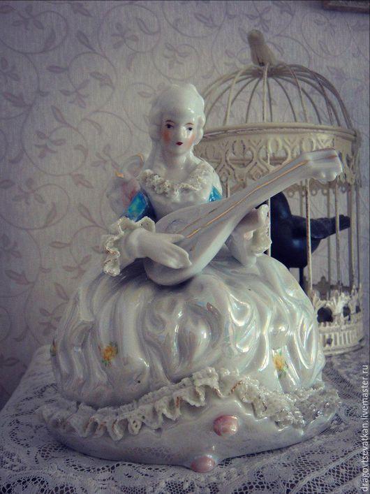 Винтажные предметы интерьера. Ярмарка Мастеров - ручная работа. Купить Антикварная статуэтка. Девушка с мандолиной. Германия. Handmade. Кукла