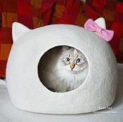 Домик для питомца ручной работы. Ярмарка Мастеров - ручная работа Домик для кошки (кота) Hello Kitty. Handmade.