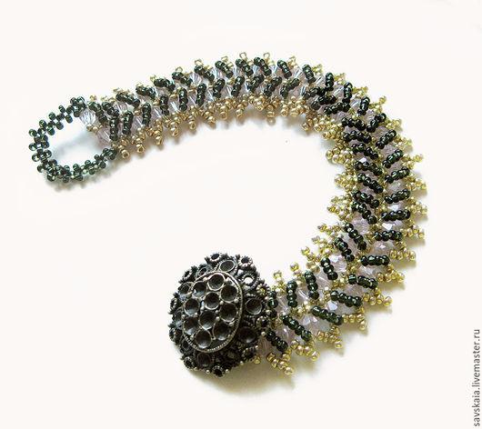 Браслет из из бисера и стеклянных бусин-кристаллов Змейка.