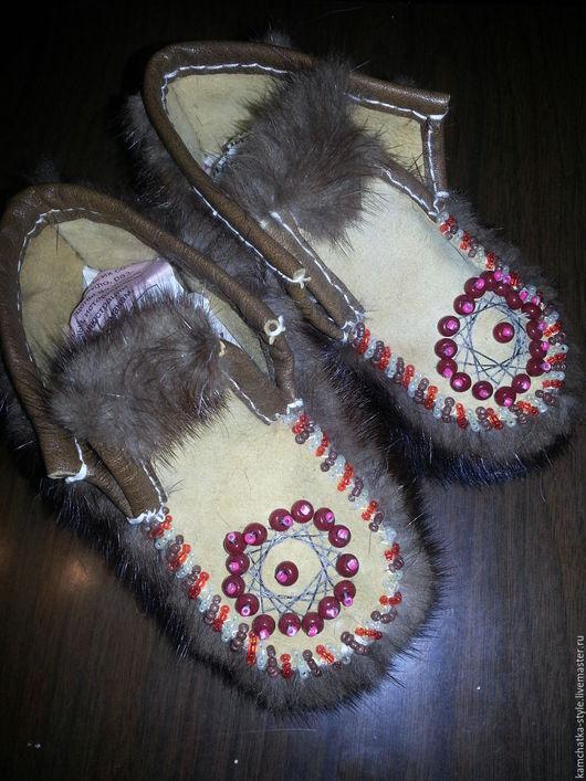 Обувь ручной работы. Ярмарка Мастеров - ручная работа. Купить Тапочки-чуни детские. Handmade. Коричневый, замша