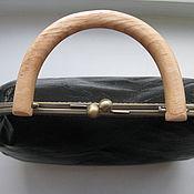 Сумки и аксессуары ручной работы. Ярмарка Мастеров - ручная работа Чёрная лаковая сумка с деревянной ручкой. Handmade.