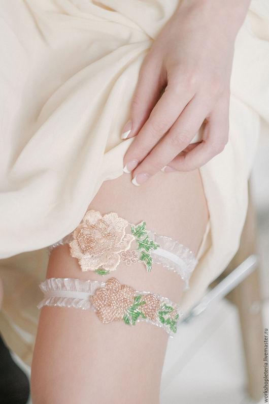 Одежда и аксессуары ручной работы. Ярмарка Мастеров - ручная работа. Купить Комплект подвязок для невесты с розами. Handmade. Бледно-розовый