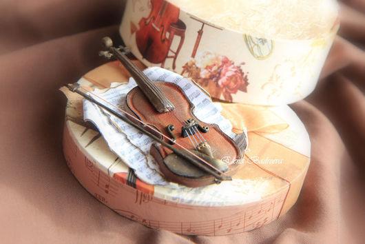 """Броши ручной работы. Ярмарка Мастеров - ручная работа. Купить Авторская брошь из кожи """"Вивальди """"Времена года. Осень"""". Handmade."""