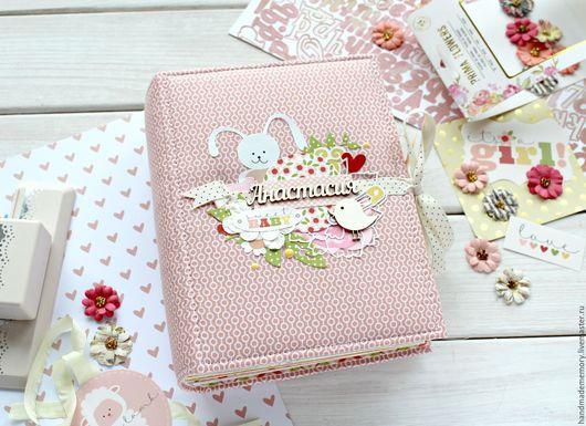 Подарки для новорожденных, ручной работы. Ярмарка Мастеров - ручная работа. Купить Фотоальбом для девочки первого года жизни. Handmade. Розовый