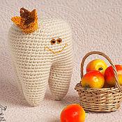 Куклы и игрушки ручной работы. Ярмарка Мастеров - ручная работа Вязаная игрушка Зуб Мудрости (приобретен). Handmade.