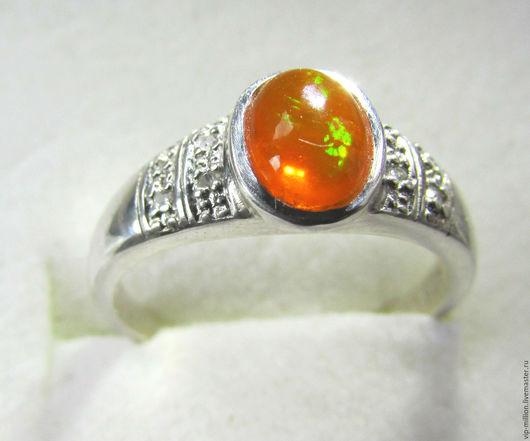 Кольца ручной работы. Ярмарка Мастеров - ручная работа. Купить Серебряное кольцо с Эфиопским опалом 1 Ct и 8 подлинными бриллиантами. Handmade.