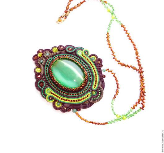 комплект сутажных украшений, сутажный кулон, сутажные серьги, кулон с камнем, украшение из сутажа, зеленый кулон, коричнево-зеленый